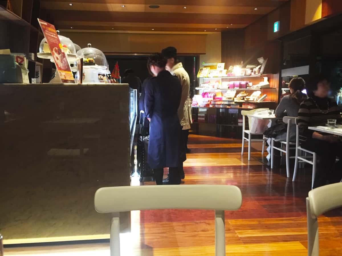 兵庫 芦屋駅 アンリ・シャルパンティエ 芦屋本店(HENRI CHARPENTIER) 店内