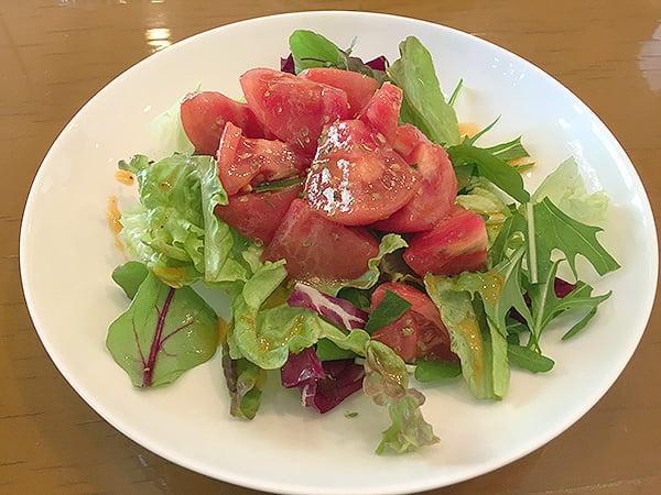 東京 国立 イル・ジラソーレ|トマトのサラダ