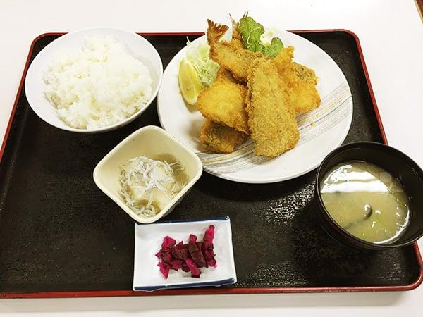 神奈川 小田原 魚市場食堂|地魚フライ定食