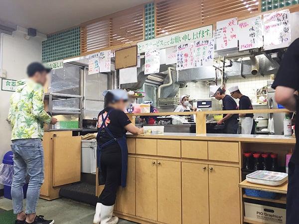 神奈川 小田原 魚市場食堂|カウンター