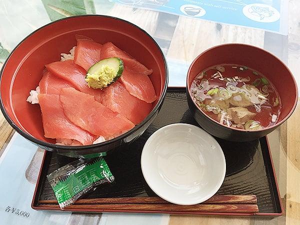 東京 勝どき マグロ卸のマグロ丼の店|上赤マグロ丼