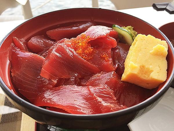 東京 勝どき マグロ卸のマグロ丼の店|てんこ盛マグロ丼