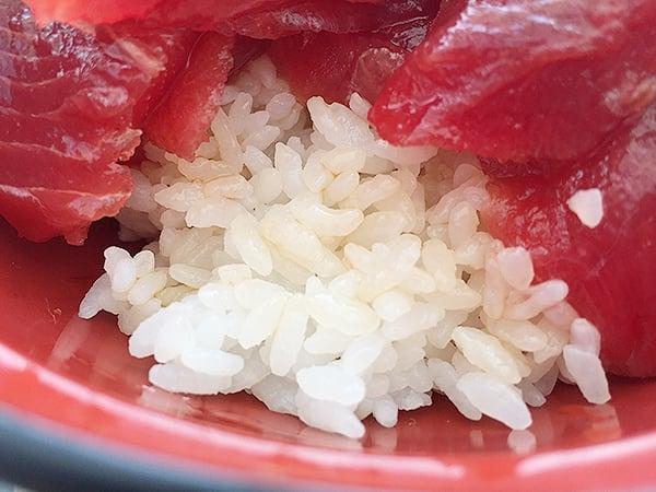 東京 勝どき マグロ卸のマグロ丼の店|ご飯