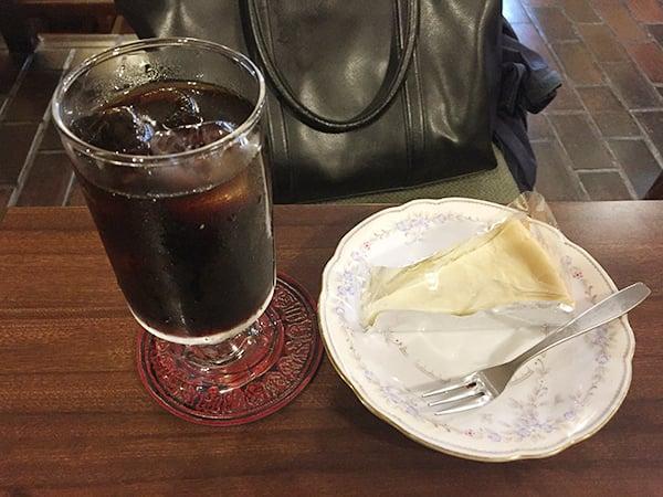 東京 西新宿 喫茶ブラジル|ケーキセット