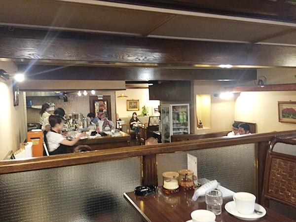 東京 西新宿 喫茶ブラジル 店内