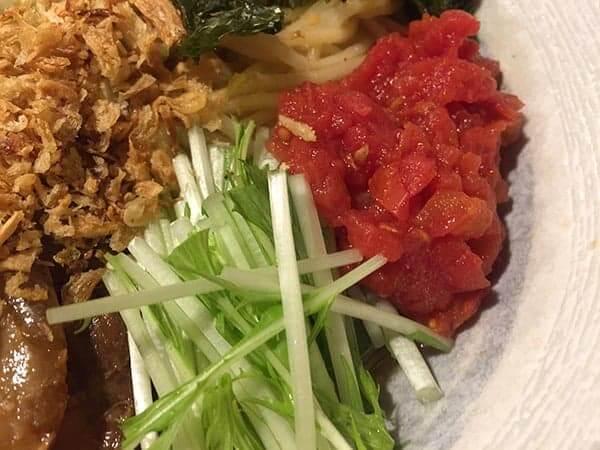 東京 府中 中華そば とんび|トマトと水菜