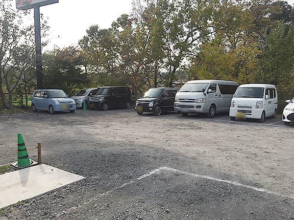 埼玉 日高 中華そば専門 とんちぼ|駐車場