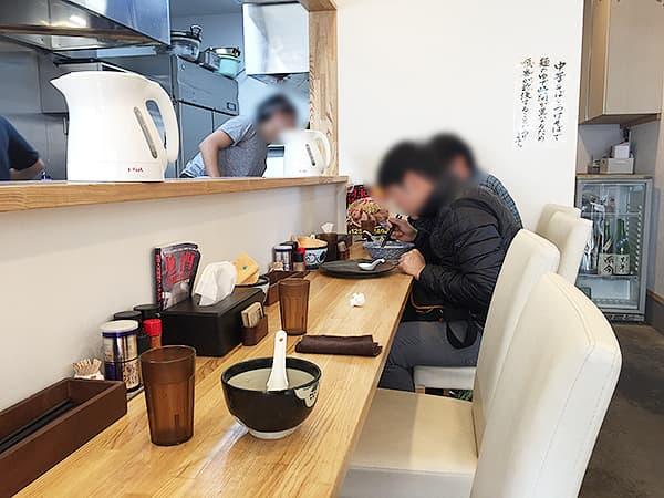 埼玉 日高 中華そば専門 とんちぼ|店内