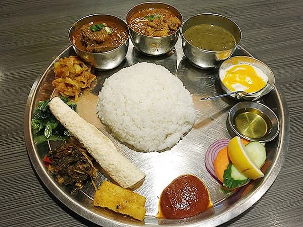 東京 新大久保 格料理店 ネパール民族料理 アーガン|アーガンスペシャルタカリセット
