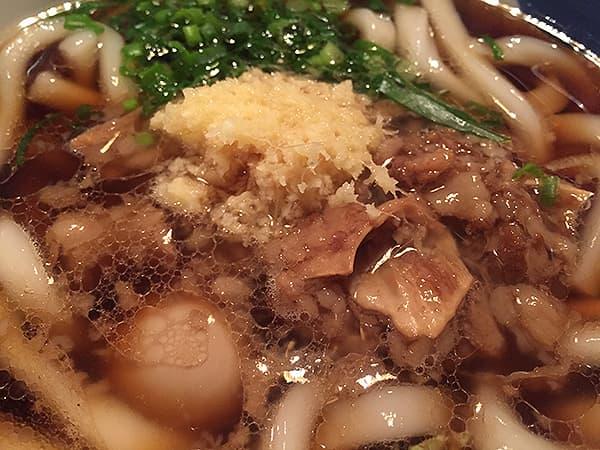 東京 恵比寿 博多うどん酒場イチカバチカ 恵比寿店|北九州式黒うどん