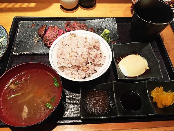 東京 赤坂見附 金舌 赤坂|牛さがりの炭火焼き定食