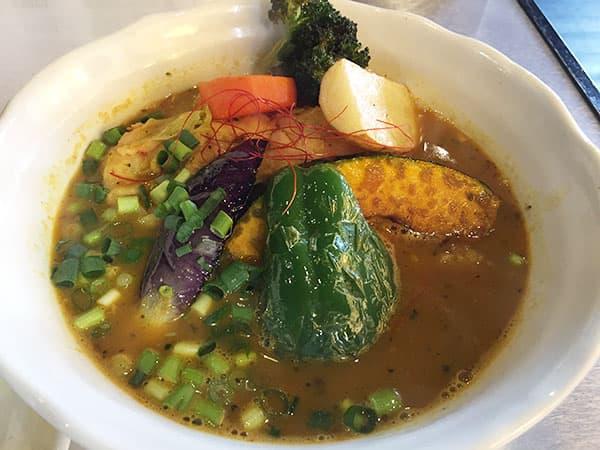 埼玉 川越 スープカレー専門店 plus one(プラスワン)|チキン野菜スープカレー