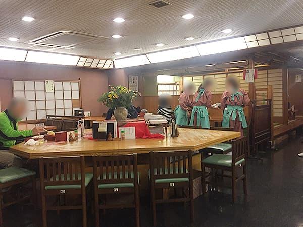 東京 麻布十番 総本家更科堀井 本店 店内