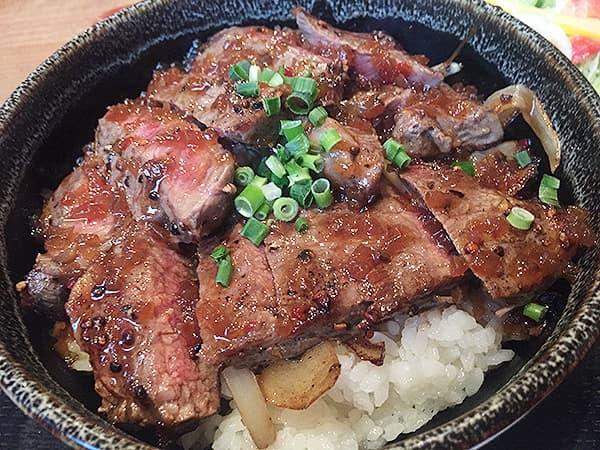 埼玉 上尾 高半|牛ステーキ丼