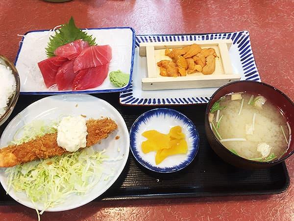 東京 大田 三洋食堂|生ウニ1箱生まぐろ定食