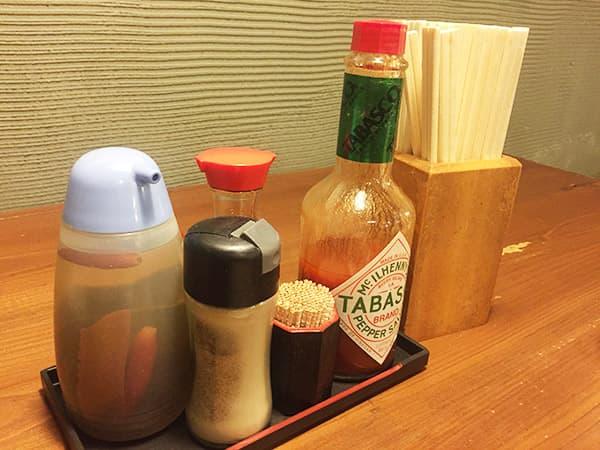 東京 練馬 麺 酒 やまの 卓上調味料