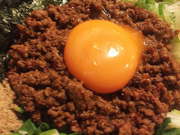 東京 練馬 麺 酒 やまの 挽肉と黄身