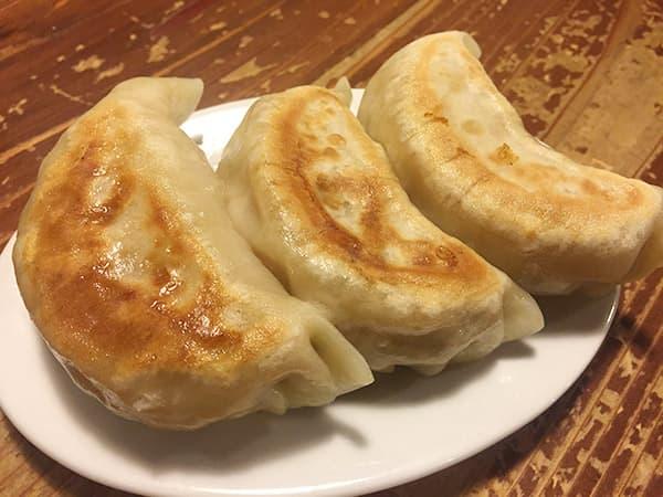 東京 練馬 麺 酒 やまの 餃子