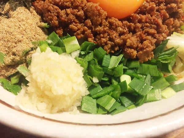 東京 練馬 麺 酒 やまの ニラとニンニク
