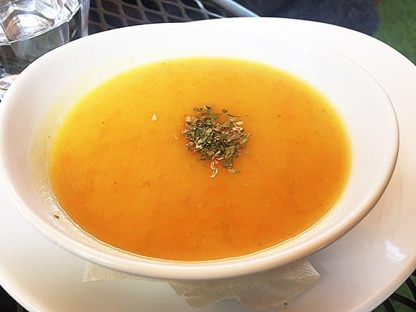 埼玉 高麗 阿里山カフェ にんじんとさつまいものコリアンダースープ