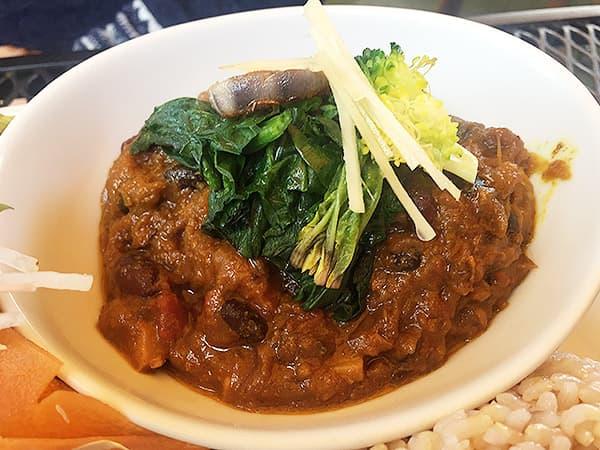 埼玉 高麗 阿里山カフェ お豆と季節野菜のカレー