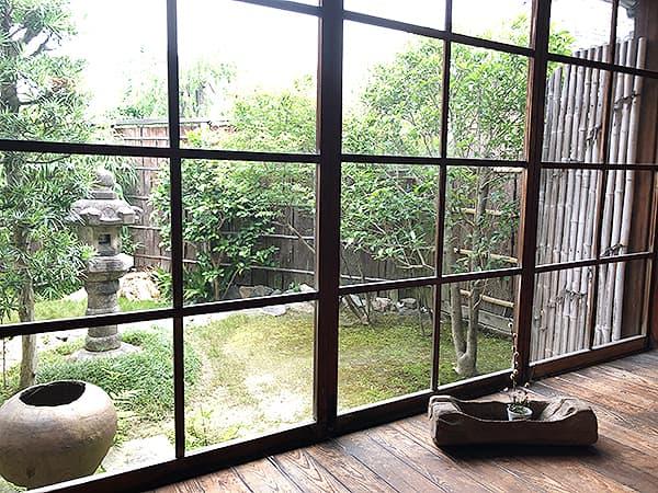 奈良 玄|店内からのようす