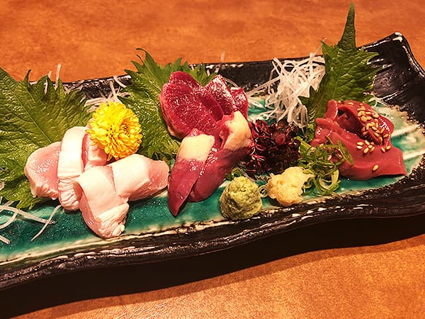 奈良 奈良市 やたがらす|大和軍鶏刺身4種盛り合わせ