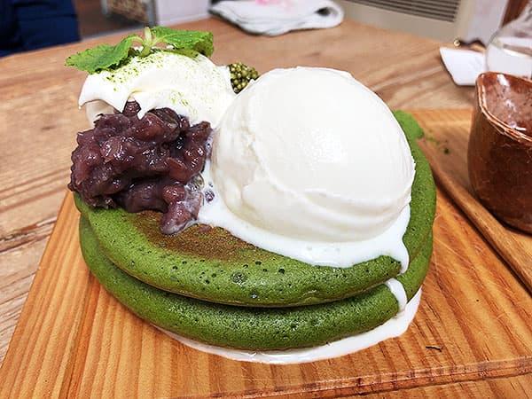 京都 右京区 嵯峨野湯|抹茶づくしのパンケーキ(アイスのせ)