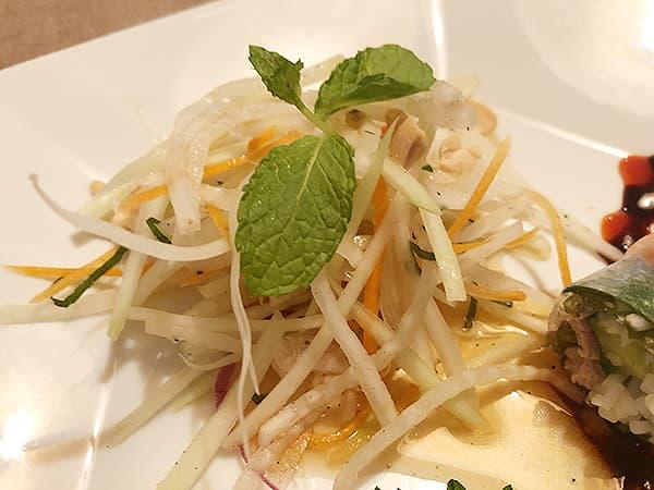 東京 池袋 サイゴン・レストラン|パパイヤサラダ