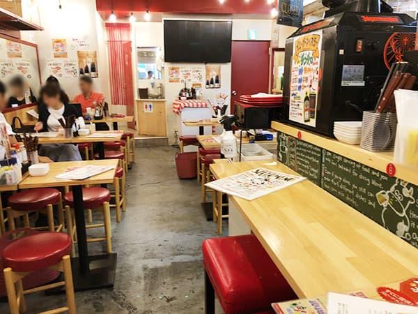 東京 新宿 肉バル BEEF KITCHEN STAND 歌舞伎町店|店内