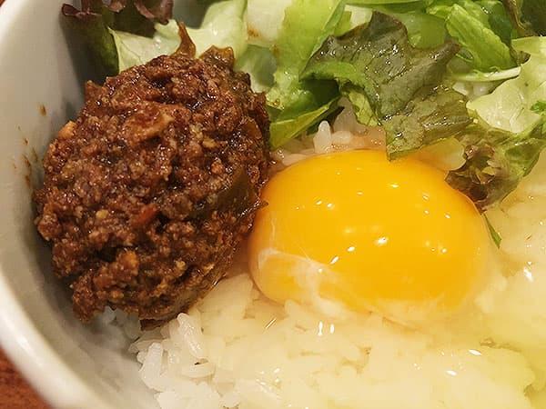 東京 高田馬場 鶏白湯 蔭山 高田馬場店|肉みそ卵かけ御飯