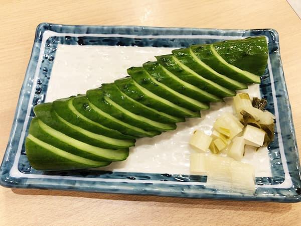 埼玉 秩父 焼肉ホルモン ほうりゃい苑 きゅうり一本漬け