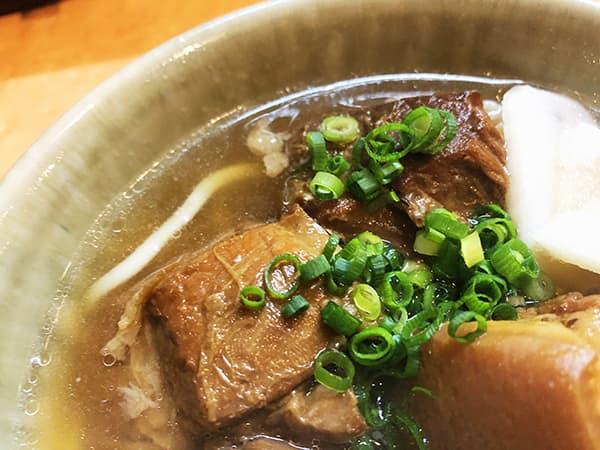 東京 新宿 沖縄そば やんばる|スープ