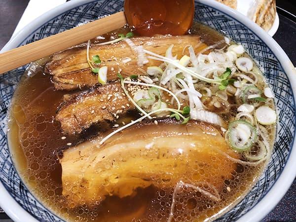 東京 赤羽 手打らーめん満月|豚角煮ラーメン