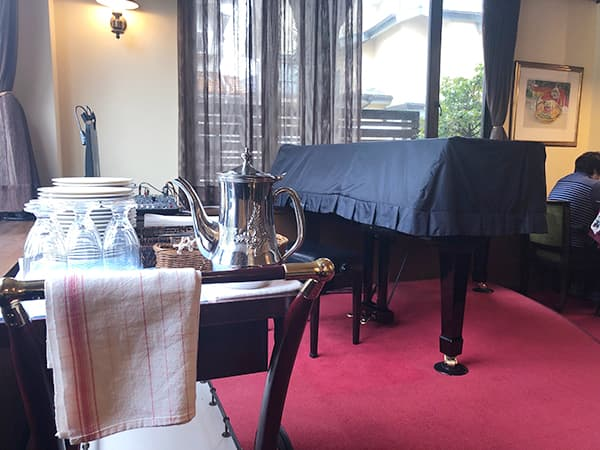 東京 福生 Pizza&イタリアンレストラン NICOLA ピアノ