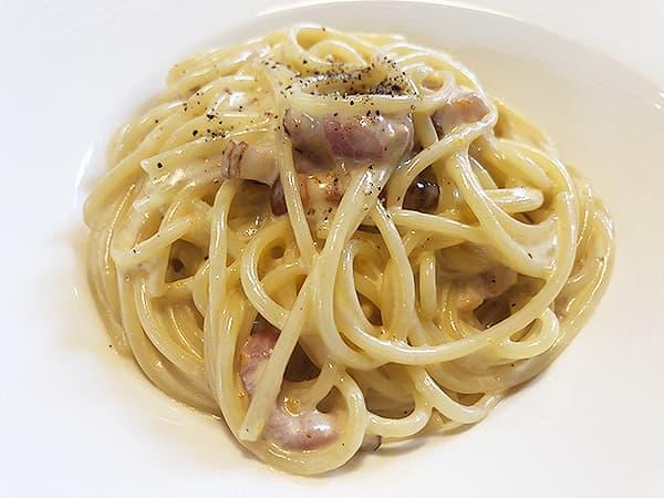 東京 福生 Pizza&イタリアンレストラン NICOLA カルボナーラ