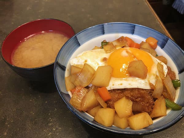 東京 人形町 洋食 小春軒|小春軒特製カツ丼