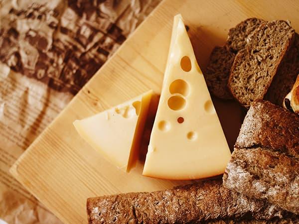 【2020 厳選 おいしいチーズ 5選】世界各地のチーズや美味しいチーズの通販サイトをご紹介