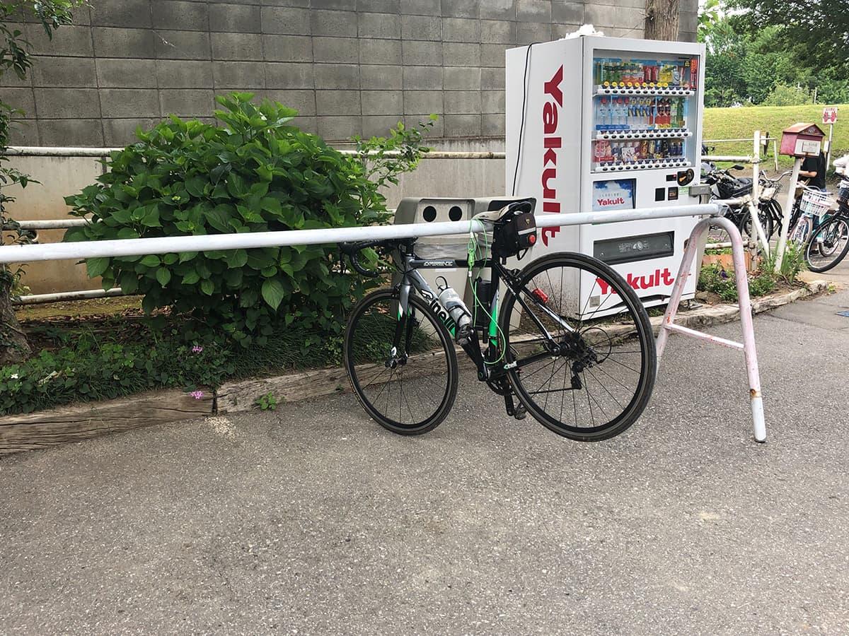 埼玉 上尾 榎本牧場 フォルトゥーナ|自転車置き場
