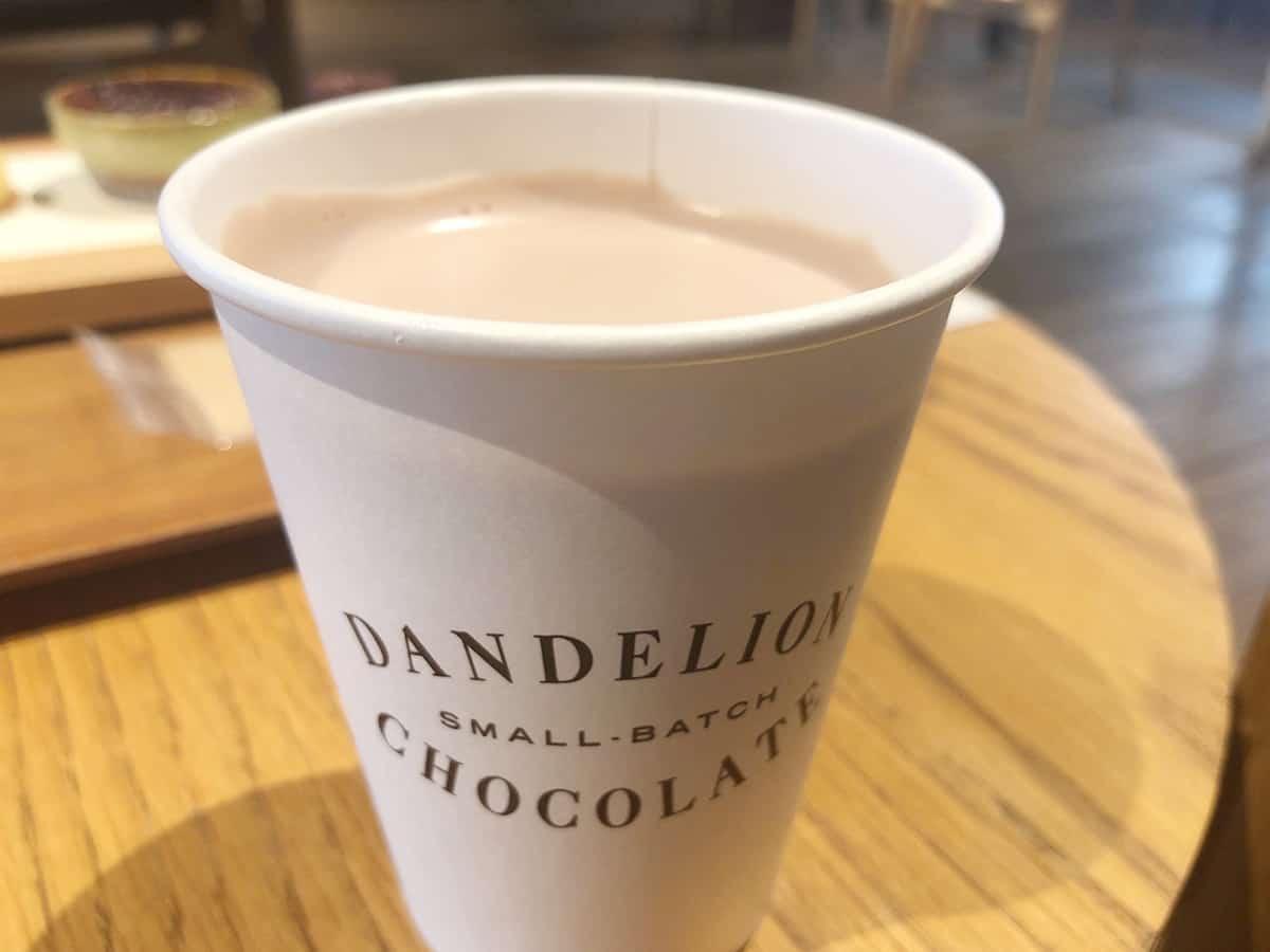 東京 蔵前 ダンデライオン・チョコレート ファクトリー&カフェ蔵前 (DANDELION CHOCOLATE)|クラマエホットチョコレート