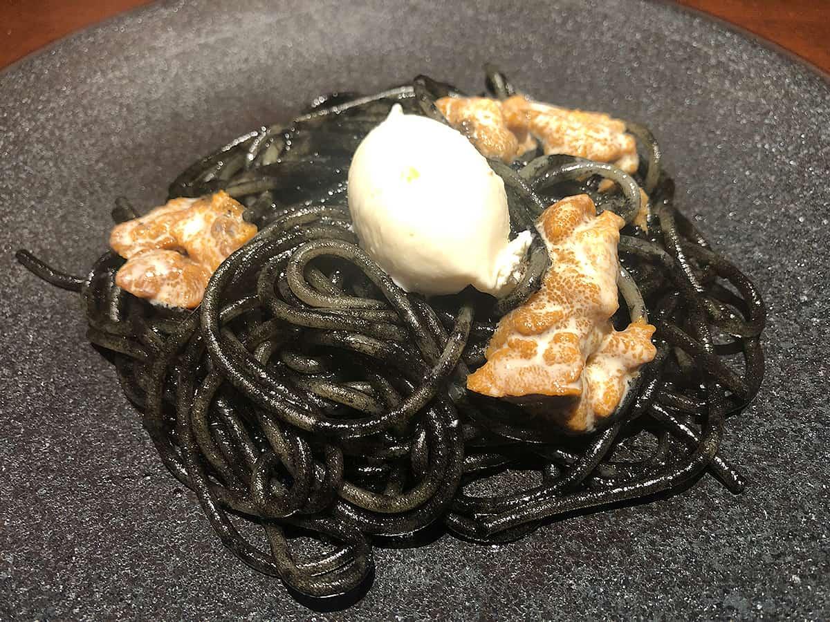 神奈川 厚木 フィーコディンディア|生ウニ・自家製リコッタチーズのせイカ墨ソース