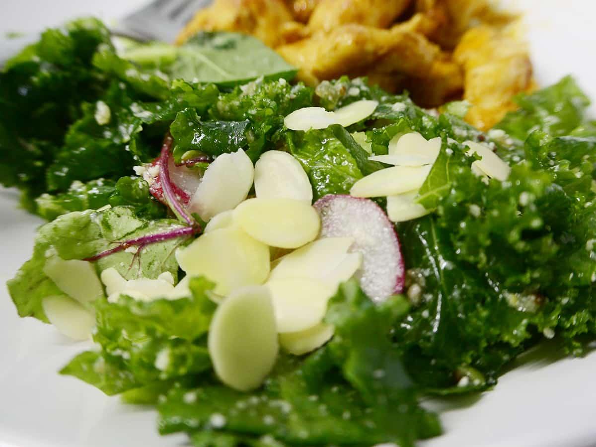 ケールのチーズナッツサラダ|kit oisix