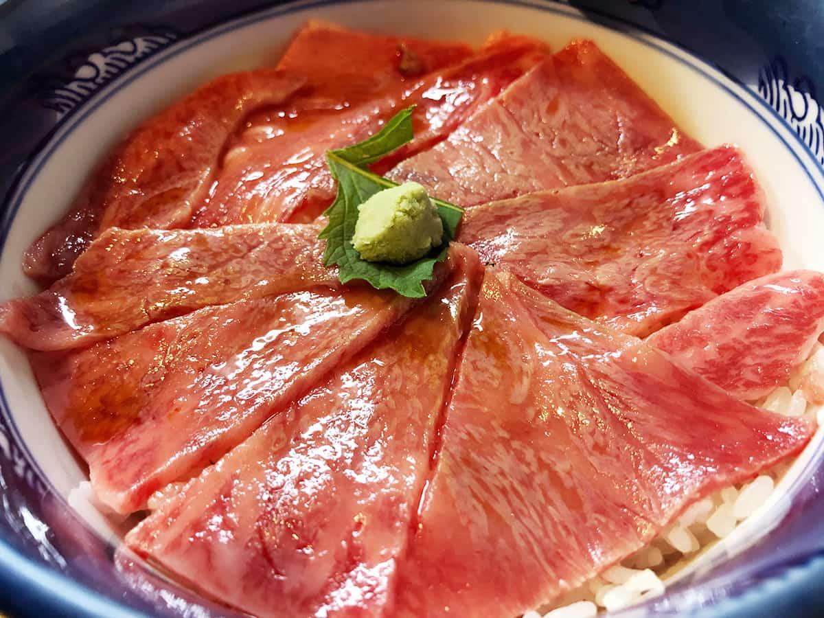 北海道 富良野 くまげら|和牛ローストビーフ丼