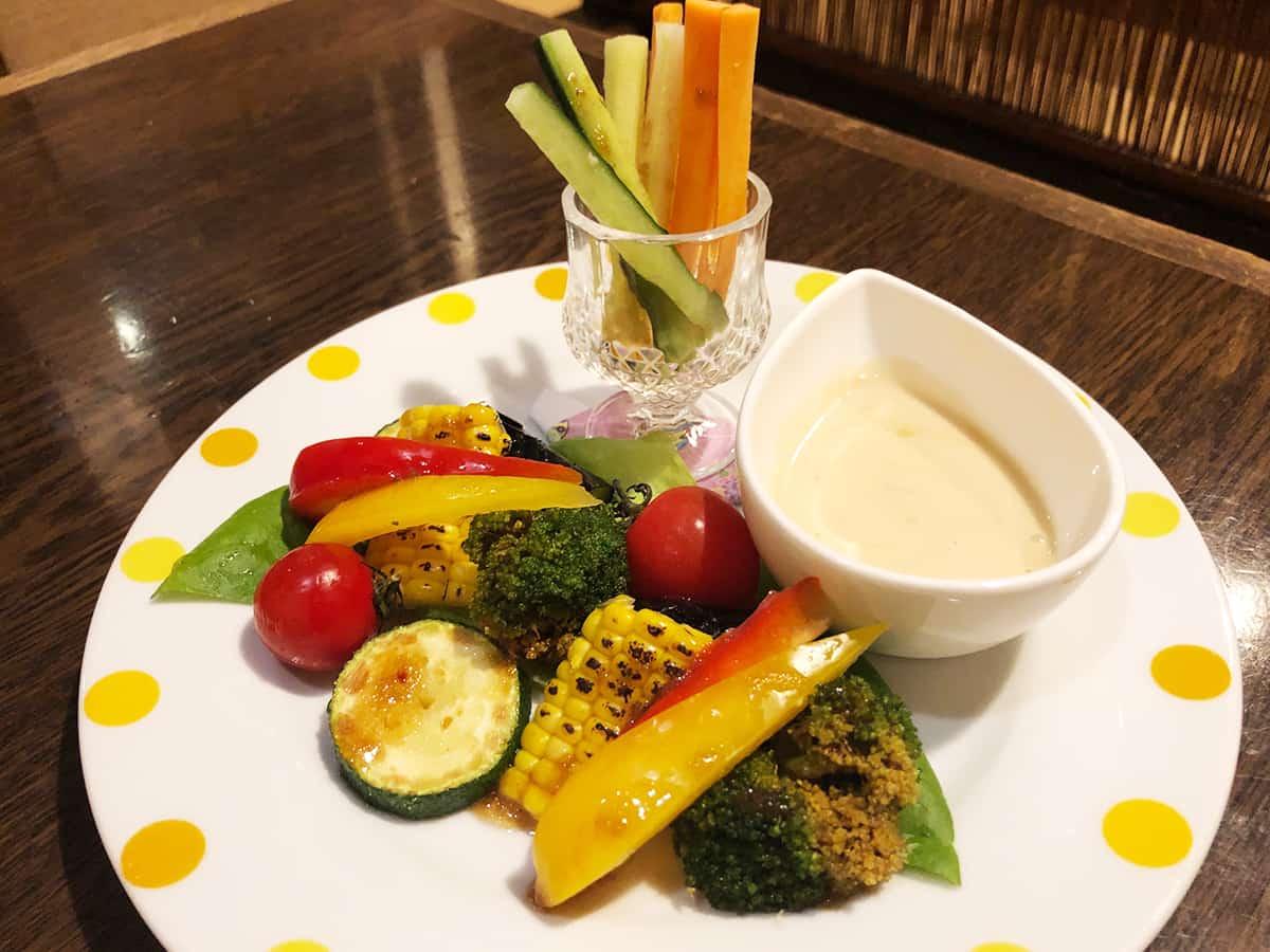 北海道 すすきの 磯金 漁業部 枝幸港 夏の野菜で浜のバーニャカウダ風サラダ