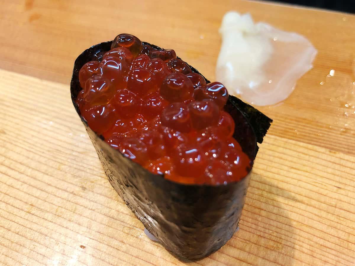 北海道 さっぽろ朝市 鮨の魚政|イクラ