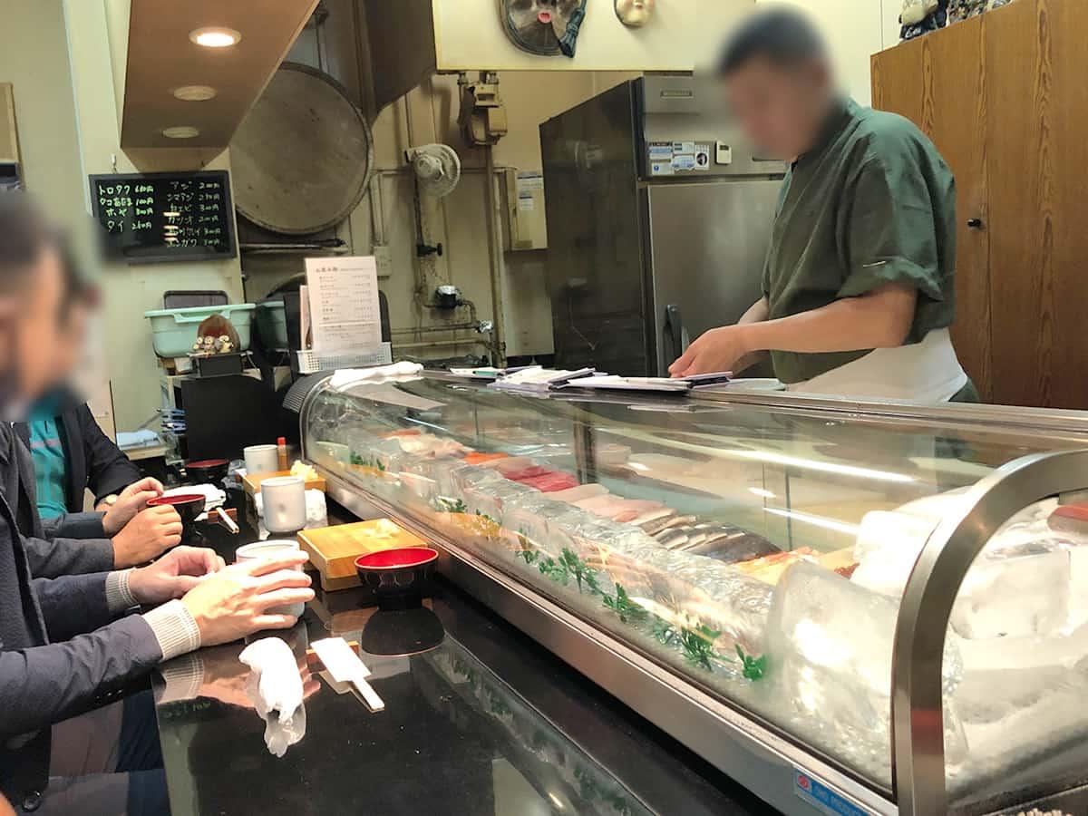 北海道 さっぽろ朝市 鮨の魚政|店内