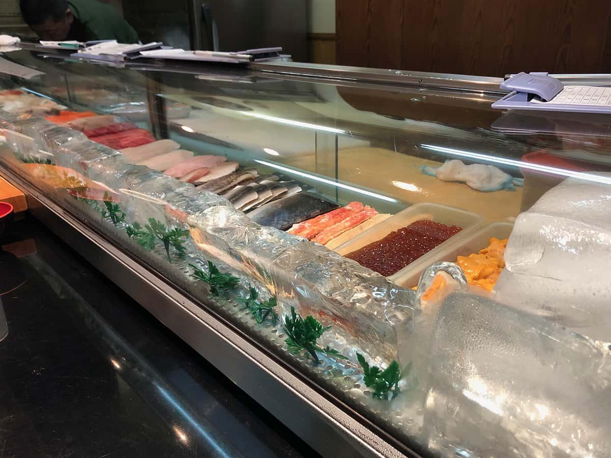 北海道 さっぽろ朝市 鮨の魚政|カウンター