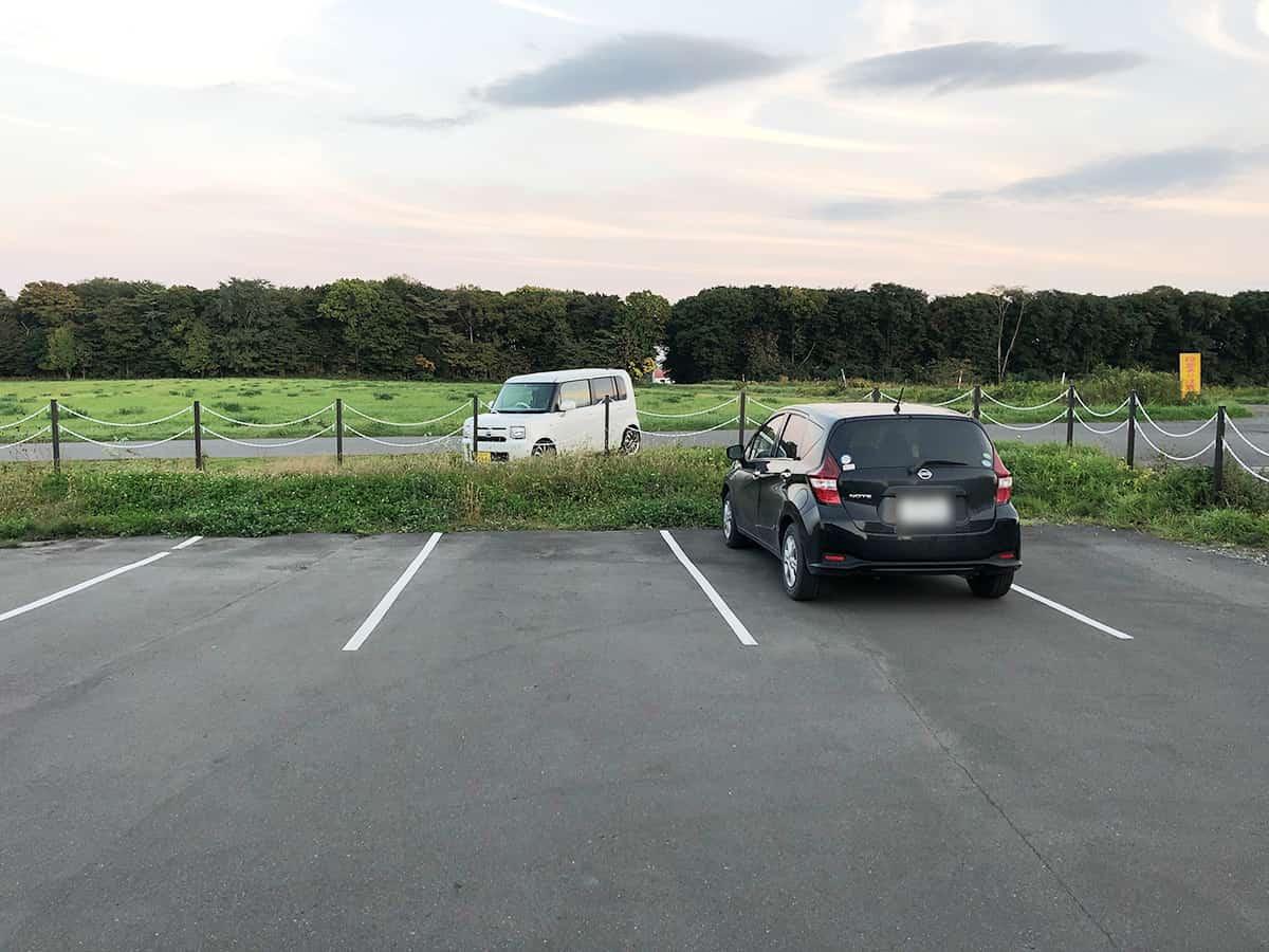 北海道 千歳 ジェラテリア ミルティーロ|駐車場