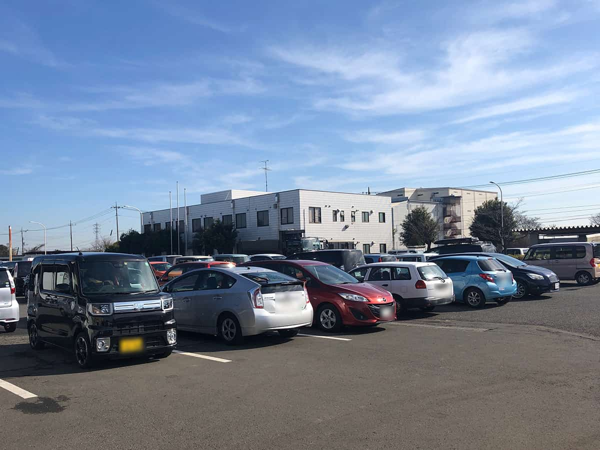埼玉 所沢 定食や|駐車場