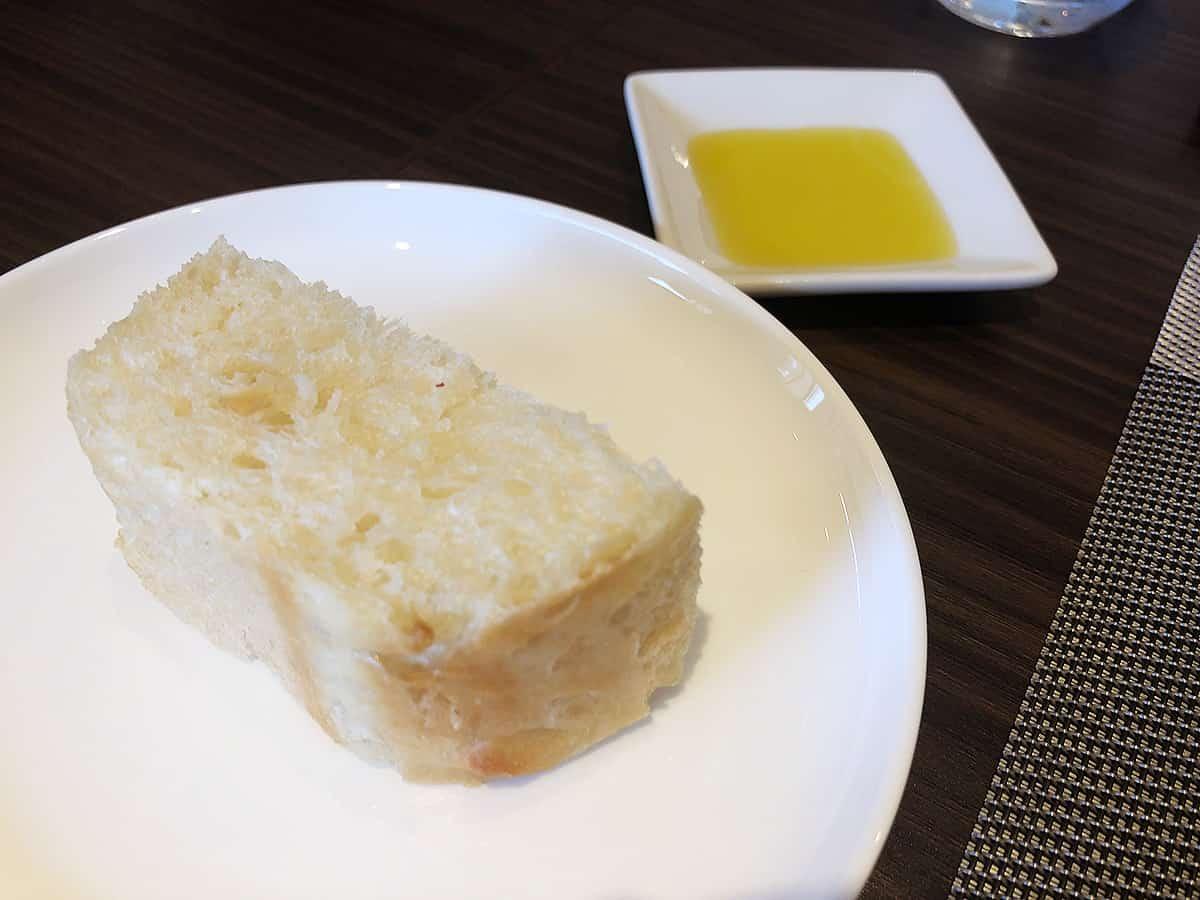 群馬 伊勢崎 リストランテ コジィ コジィ|自家製酵母パン